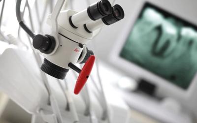 Удаление нервов, лечение и чистка зубных каналов под микроскопом